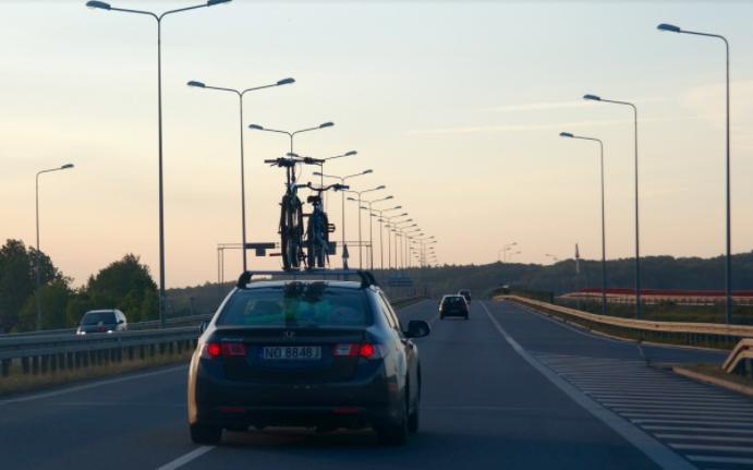 Les sociétés d'autoroutes envisagent de rendre les places de parkings payantes sur les aires de repos