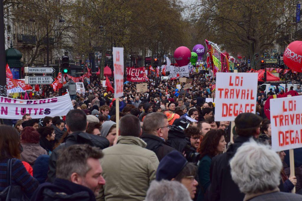Manifestation et grêve en France contre la loi travail
