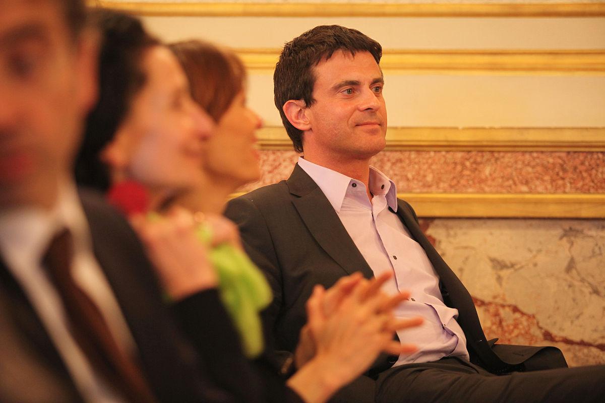 Manuel Valls souhaite faire de Dieudonné le parrain de son fils