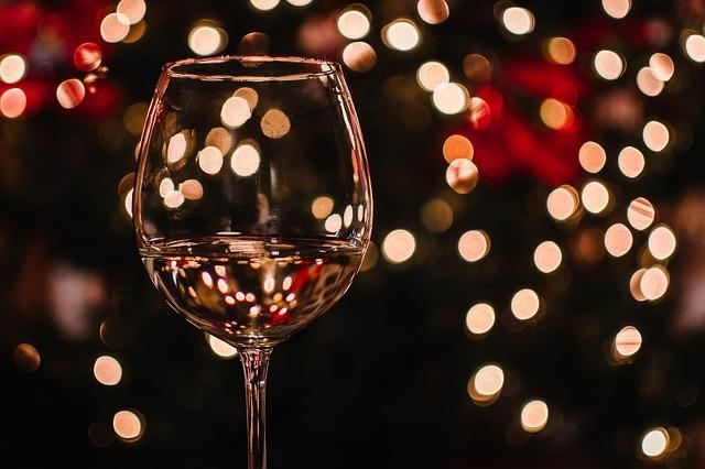Verre de vin avec de l'eau