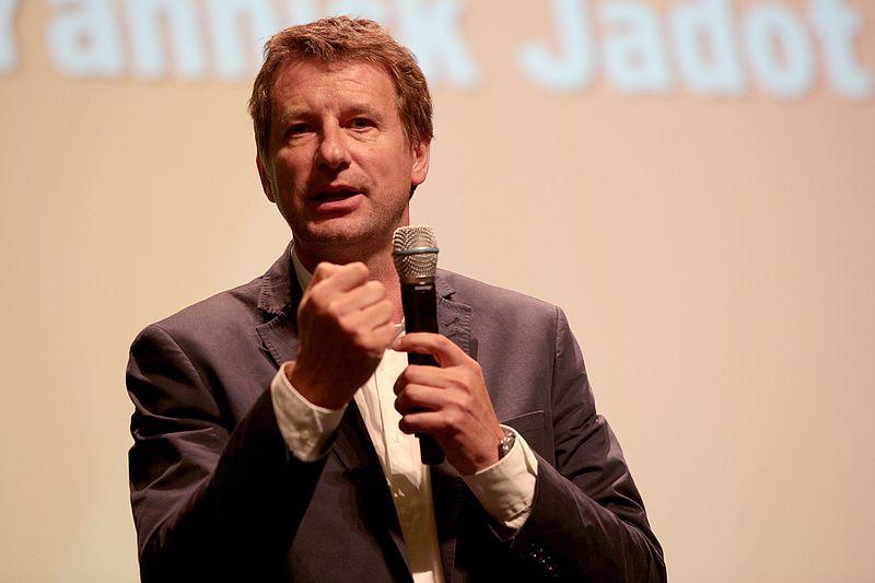 Yannick Jadot : Monsieur Propre veut nettoyer Bruxelles avant que les calottes soient cuites