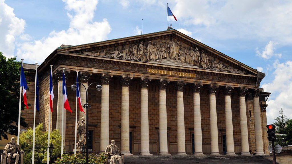 Laurent Alexandre et l'Ordre des Climatosceptiques reçus en grandes pompes à l'Assemblée Nationale