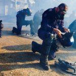 Les gaz lacrymo de la police française contribuent au réchauffement climatique