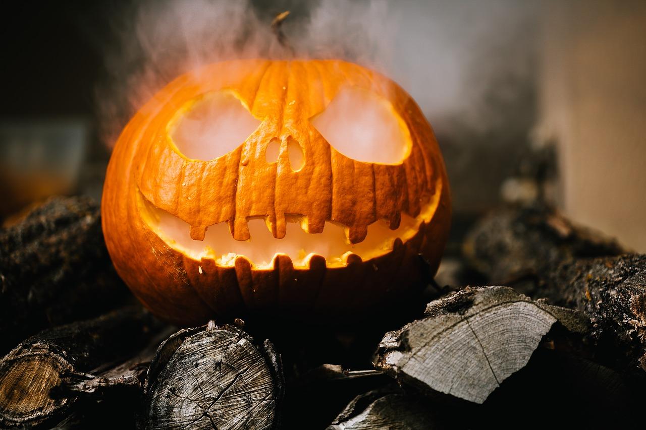 Pour Halloween, Bruno Le Maire va se déguiser en service public, son pire cauchemar