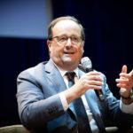 François Hollande donnant une conférence
