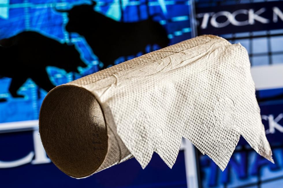 Face à la pénurie de papier WC, le gouvernement autorise les français à s'essuyer avec leur avis d'imposition