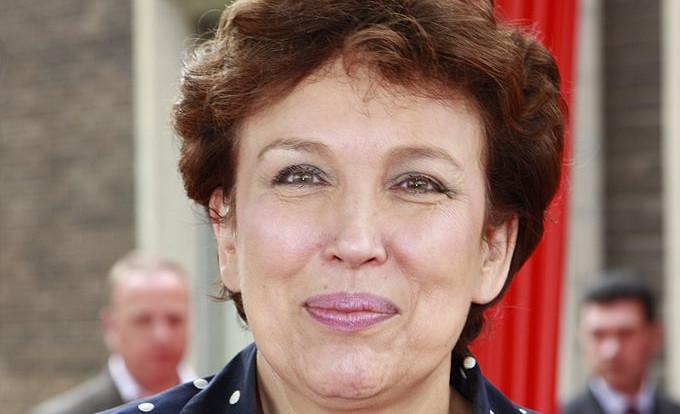 Selon une étude épidémiologique, le nombre de français qui savent tout mieux que le Ministre de la Santé explose