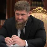 Ramzan Kadyrov expliquant à Vladimir Poutine pourquoi il compte rebaptiser Grozny en Dijon