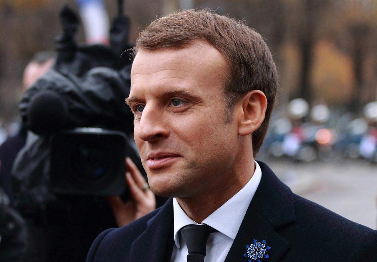 """Emmanuel Macron : """"J'ai un trou dans mon agenda mercredi, s'il y a un autre pays à sauver"""""""