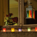 Lumignons posés sur les fenêtres la nuit du 8 Décembre à Lyon