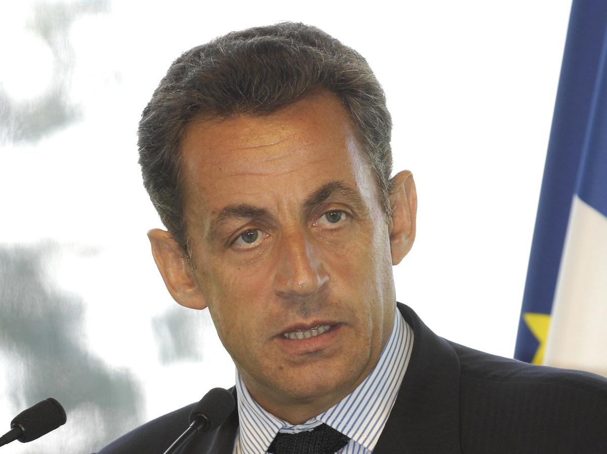 Affaire Bygmalion : Nicolas Sarkozy également condamné à écouter en boucle la discographie de Carla Bruni pendant sa détention